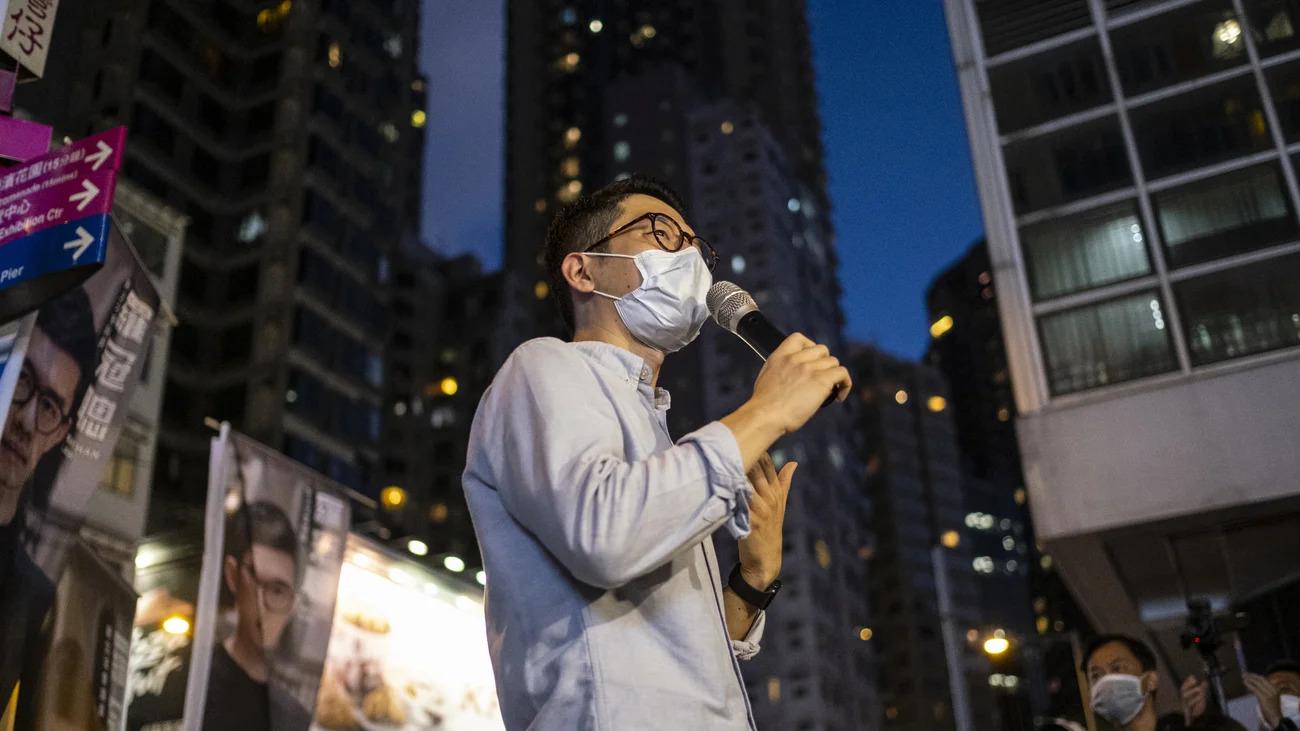 Una dintre cele mai proeminente figuri ale protestelor din Hong Kong a părăsit teritoriul