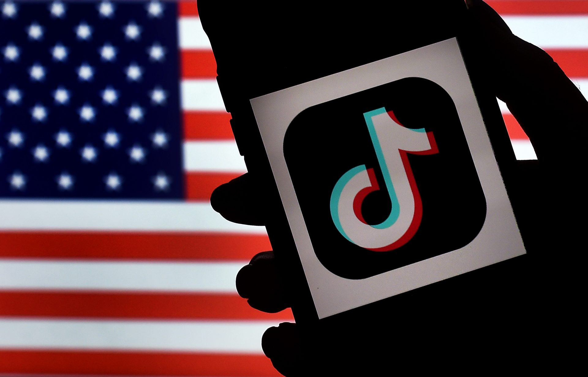 TikTok adoptă noi măsuri pentru combaterea dezinformării, cu puțin timp înainte de alegerile prezindențiale din SUA