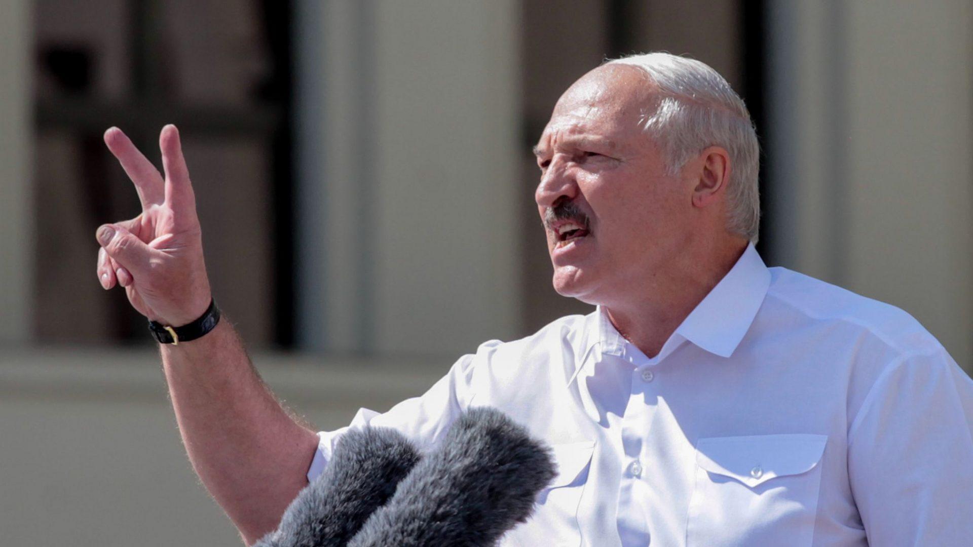 """""""Momentul Ceaușescu"""" al lui Lukashenko. Ce scrie presa internațională despre cel mai recent discurs al liderului de la Minsk"""