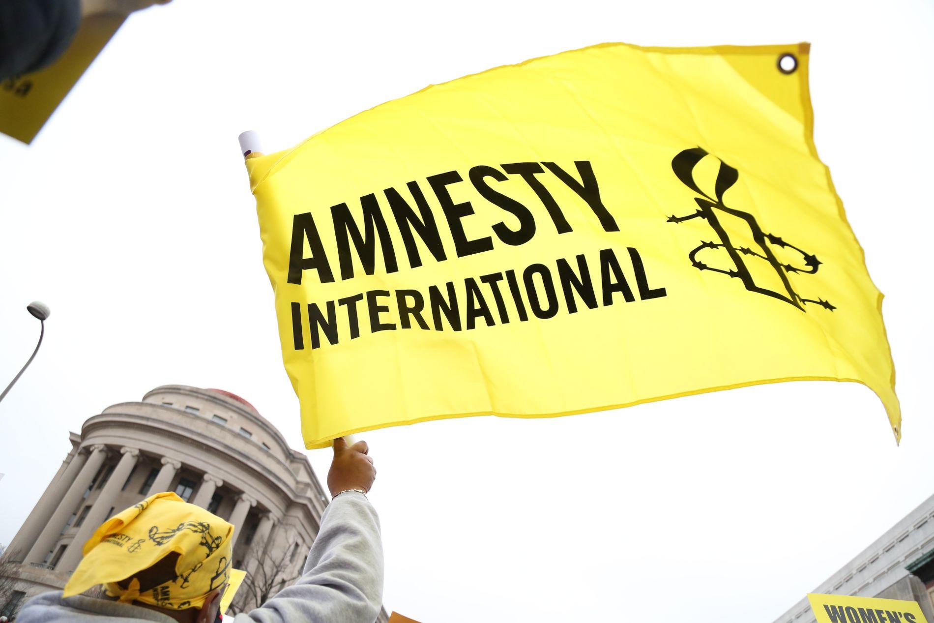 Amnesty International își suspendă activitatea în India, după ce guvernul i-a înghețat conturile