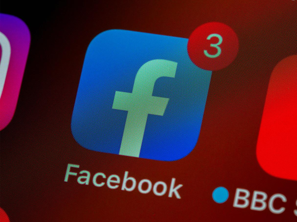 Facebook amenință publicațiile australiene că nu vor mai putea să posteze știri pe platformele sale, dacă nu renunță la un proiect de lege