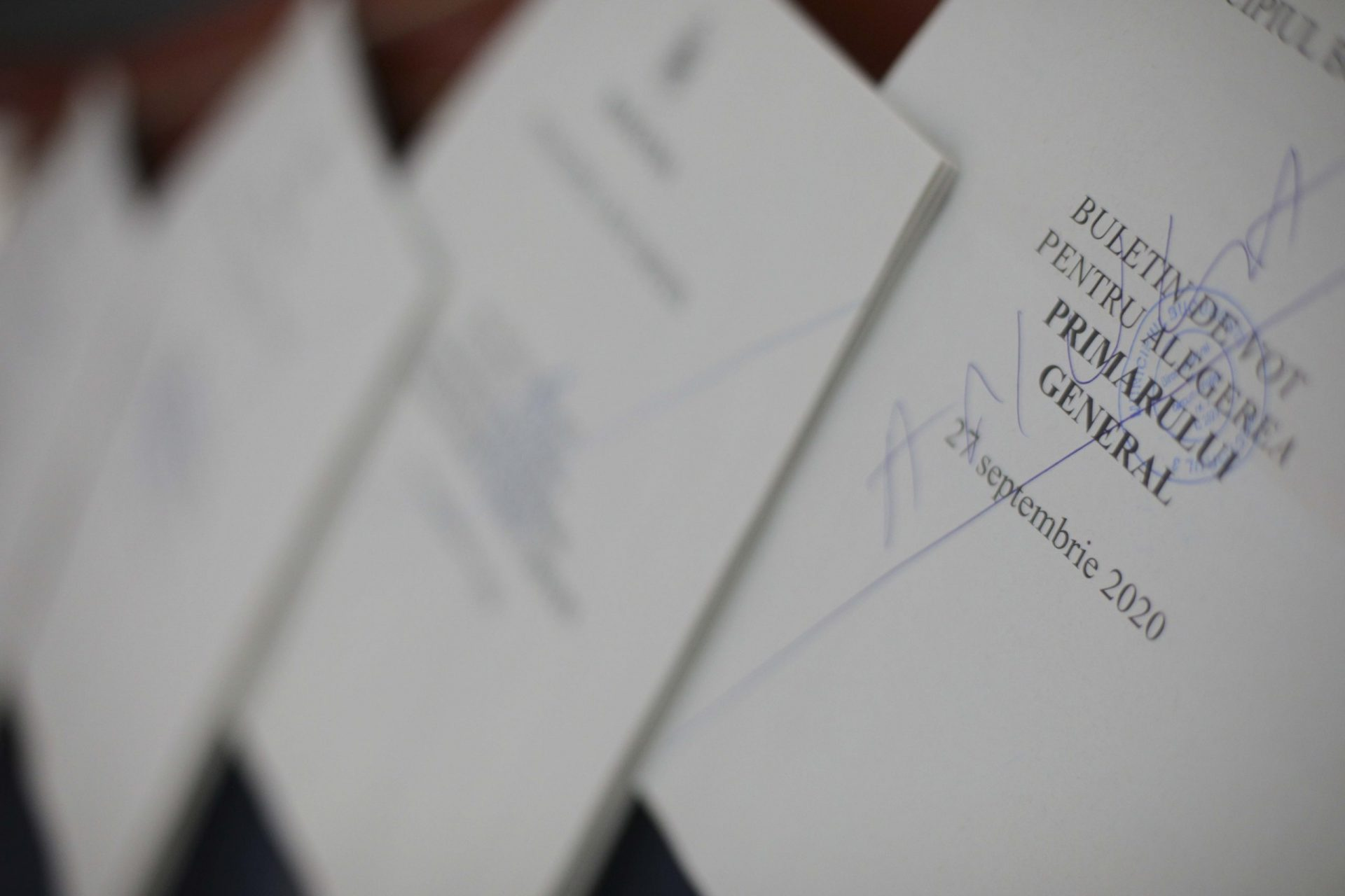 """Semnalul tras de Code4Romania, în seara alegerilor: """"Autoritățile au făcut un pas în spate în asigurarea transparenței"""""""