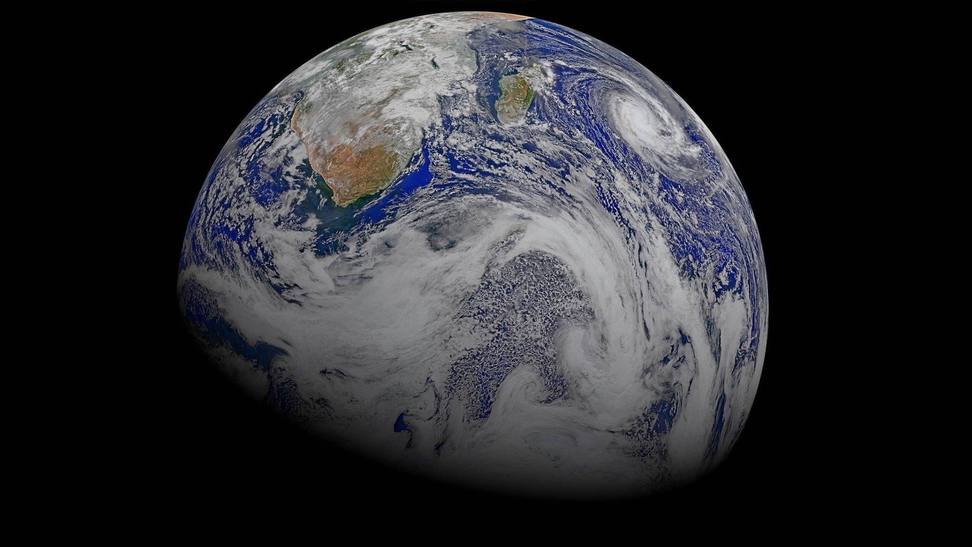 Editiadedimineata: De unde a venit apa pe Pământ. O nouă teorie