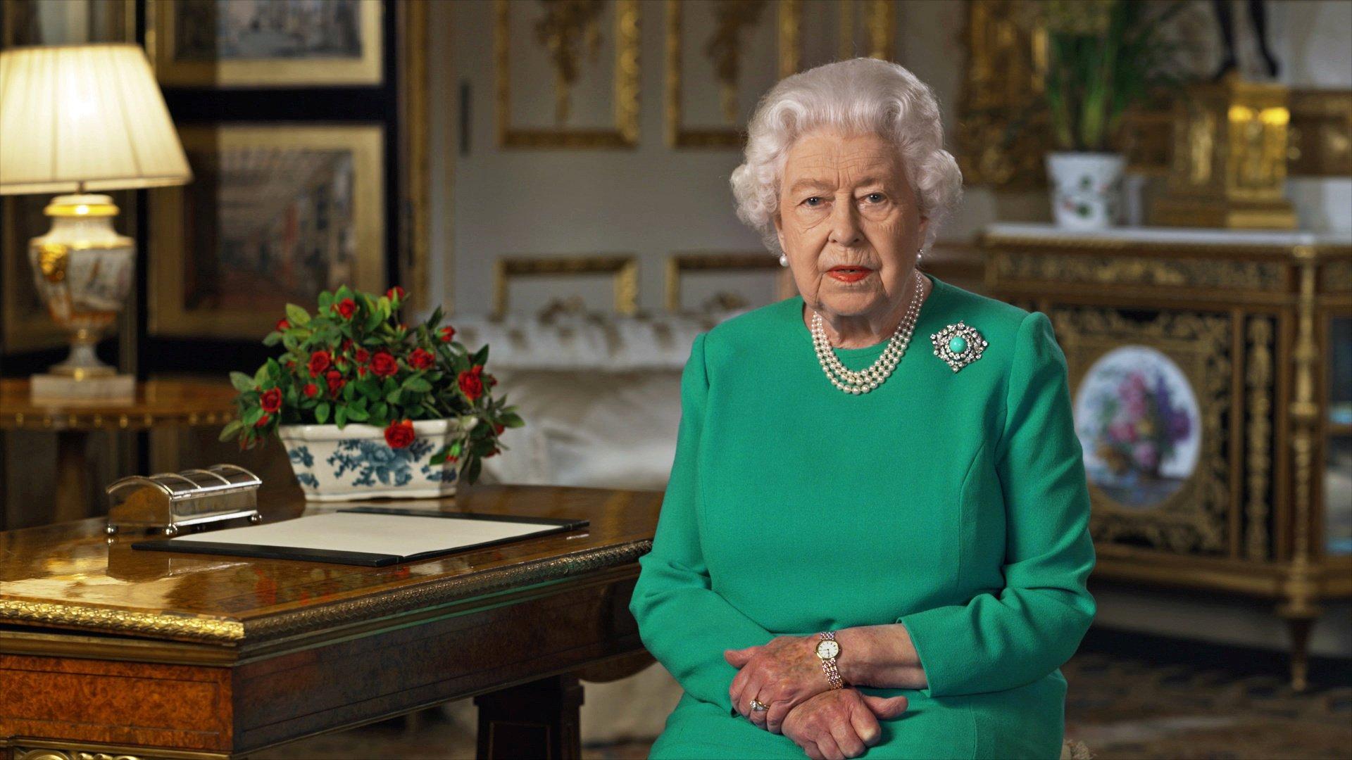 Regina Marii Britanii și-a arătat recunoștința față de mass-media