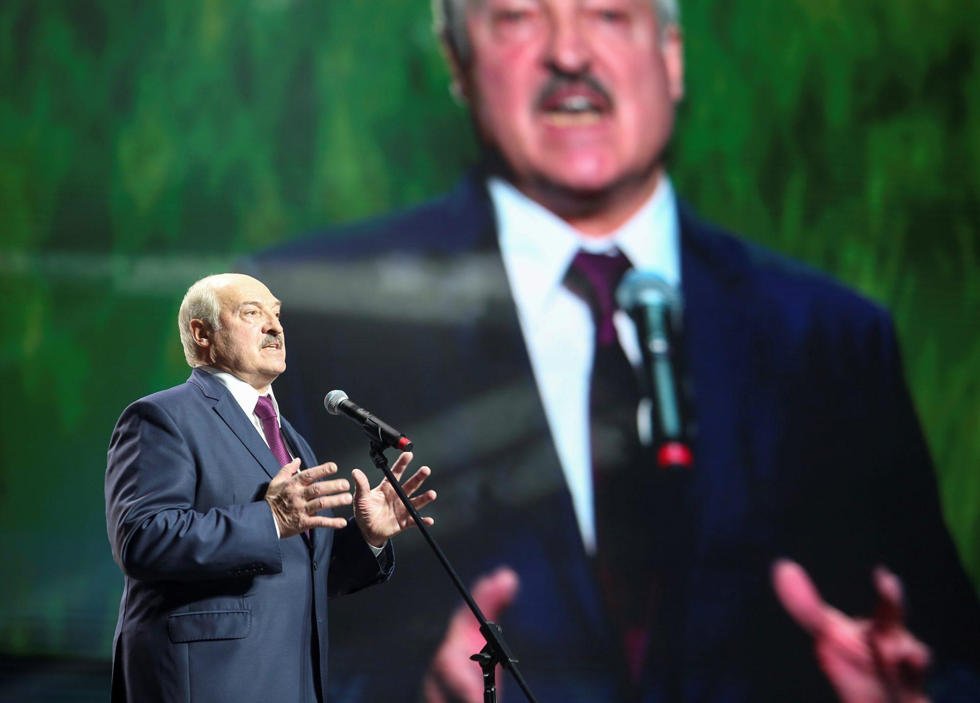 """Disperarea necesită o altă abordare. Lukashenko a organizat o """"masă rotundă"""" cu liderii opoziției din închisoare"""