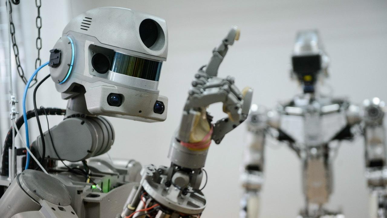 Robotul FEDOR a dispărut de pe Twitter, după ce s-a luat de doi cosmonauți ruși