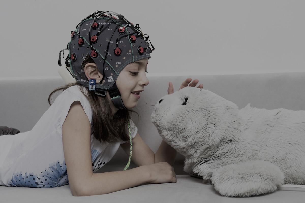 Noutăți în inteligența artificială din medicină: algoritmi, senzori, roboți terapeutici