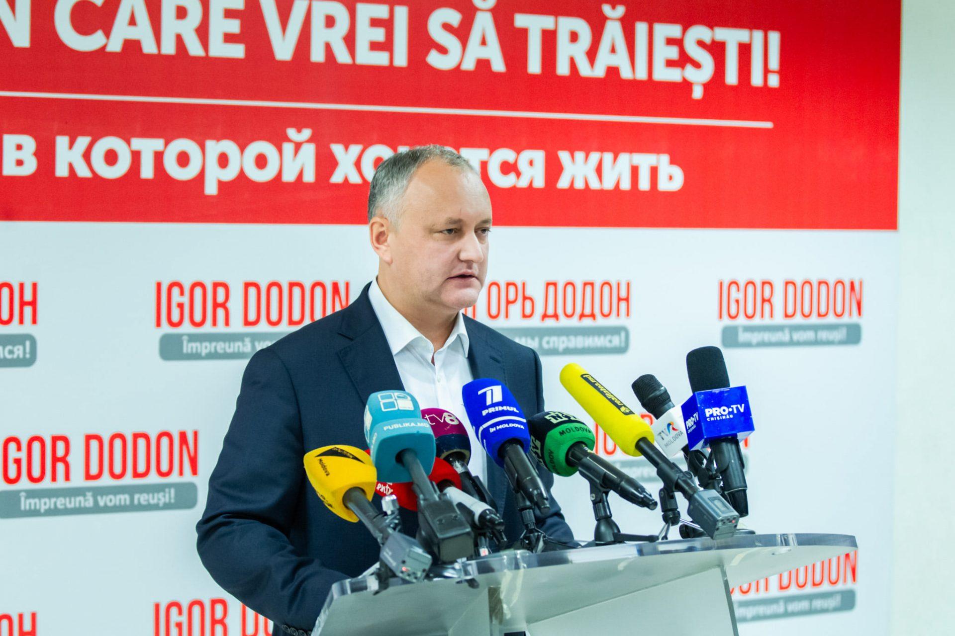 """Un proiect de lege al lui Dodon, criticat până și de presa rusă: """"Provoacă în Republica Moldova un val rusofob"""""""