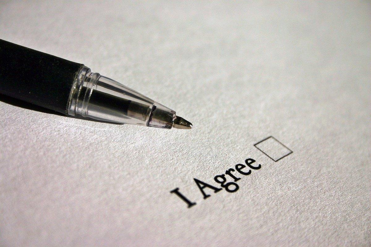 Date personale: Căsuțele prebifate în formulare nu înseamnă acord