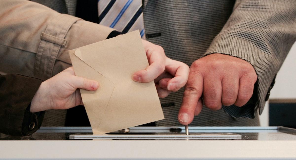 Reclamele politice online de la alegerile locale n-au fost transparente