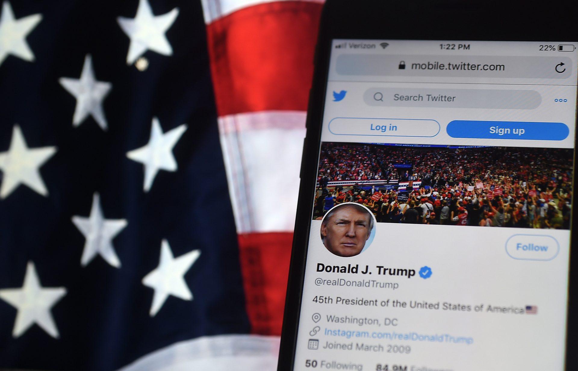 Trump a pierdut un nou mandat la Casa Albă și privilegiile de pe Twitter