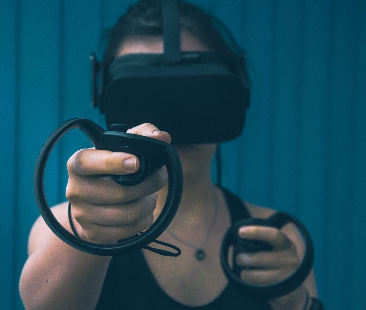 Piețele de realitate virtuală și realitate augmentată vor crește masiv până în 2025