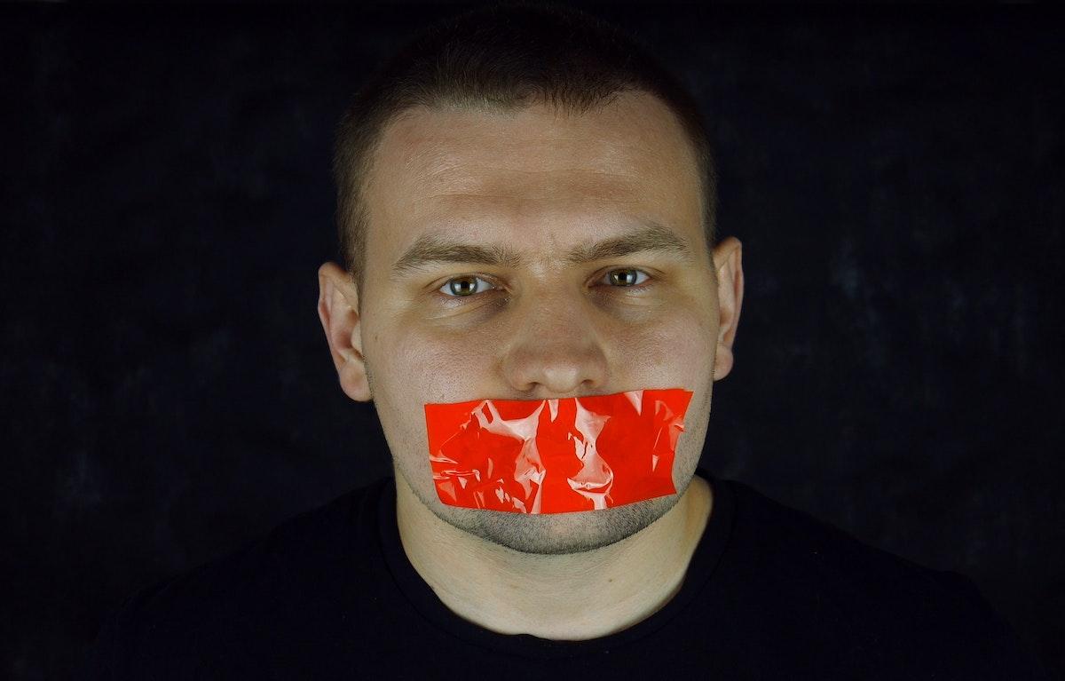 Noi cazuri din Suedia și Turcia de obstrucționare a meseriei de jurnalist