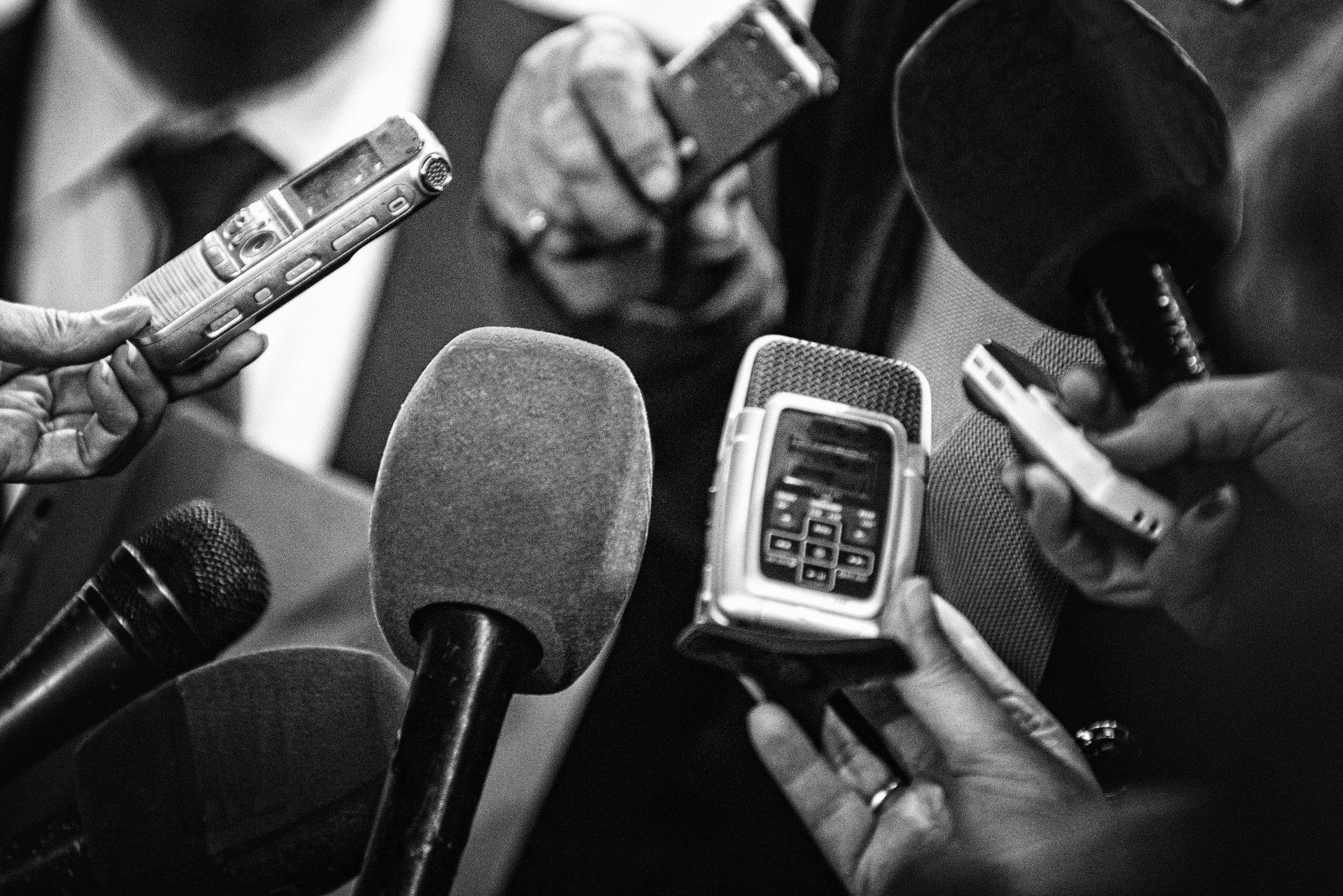 Jurnaliștii pot avea o pensie mai mare. Despre Uniunea Ziariștilor Profesioniști și controversele din jurul legii