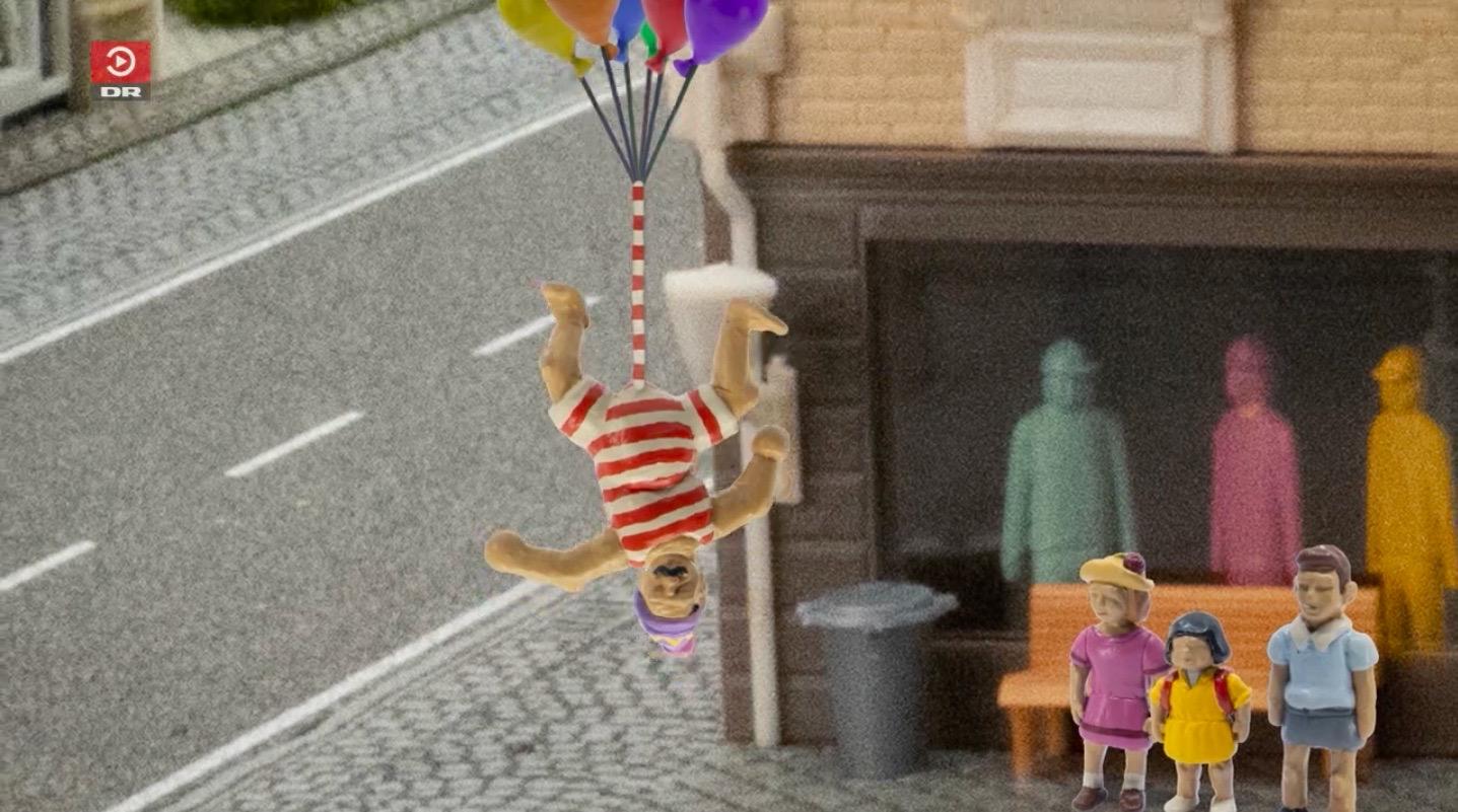 Televiziunea națională daneză, criticată pentru un program de copii cu un bărbat cu un penis uriaș