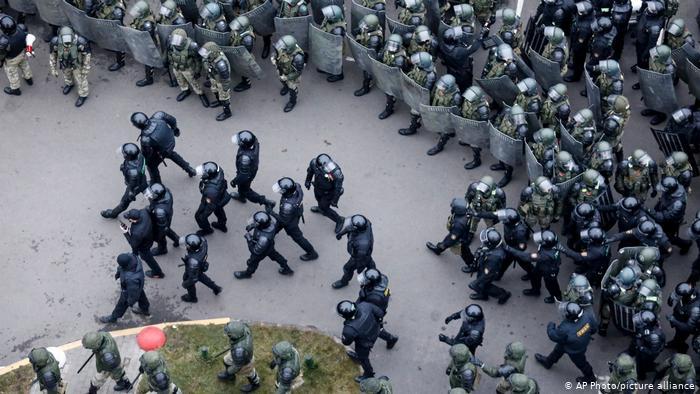 O jurnalistă elvețiană, reținută de autoritățile din Belarus