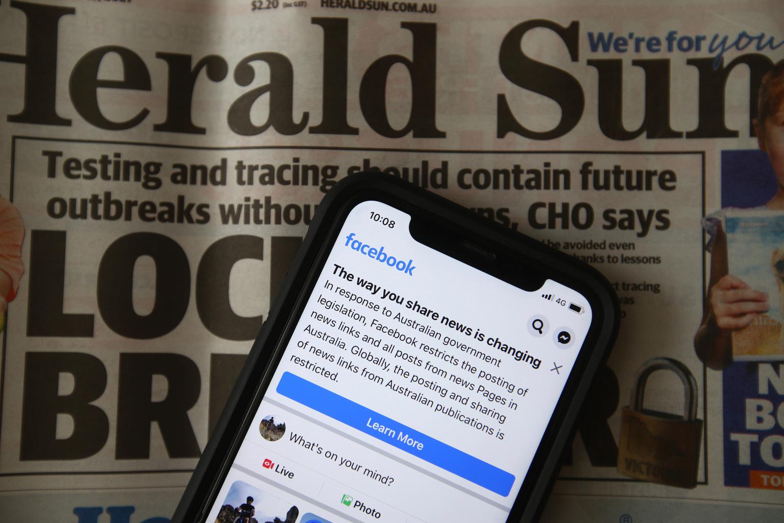 """Facebook a dat iar """"add"""" Australiei. După zile de negocieri, va fi reluată distribuirea știrilor pe platformă"""