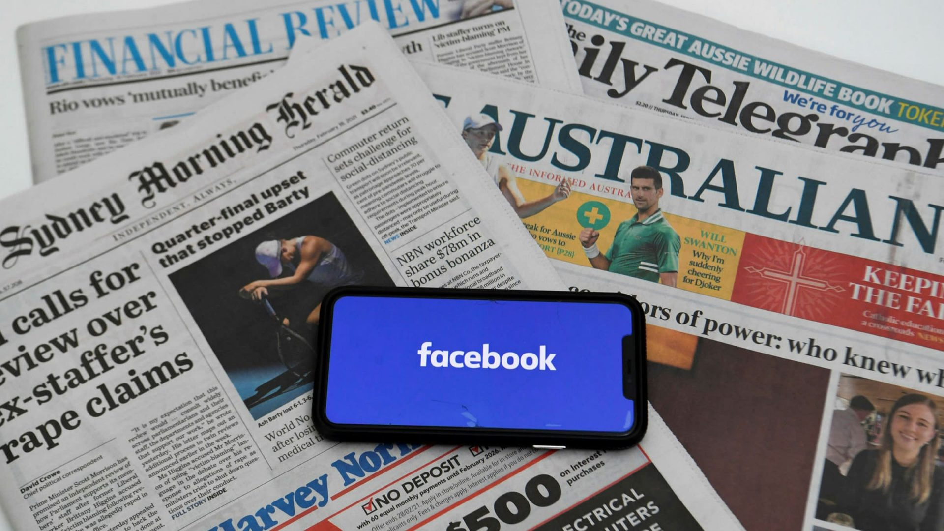 """Tentativa Facebook de a da """"unfriend"""" Australiei, criticată la nivel internațional"""