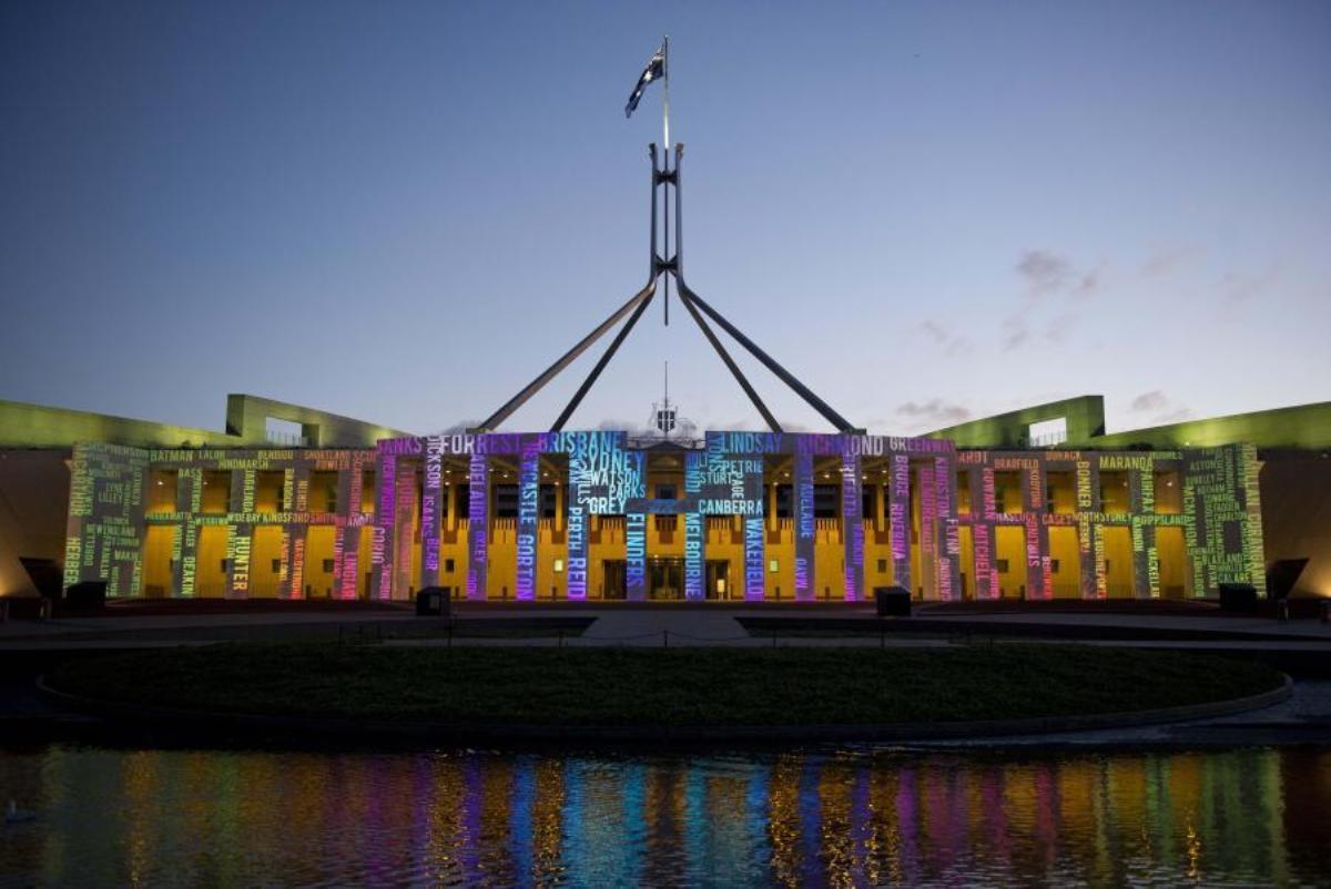 Parlamentul Australiei a adoptat Codul de negociere media, legea care impune rețelelor de socializare să plătească publisherii