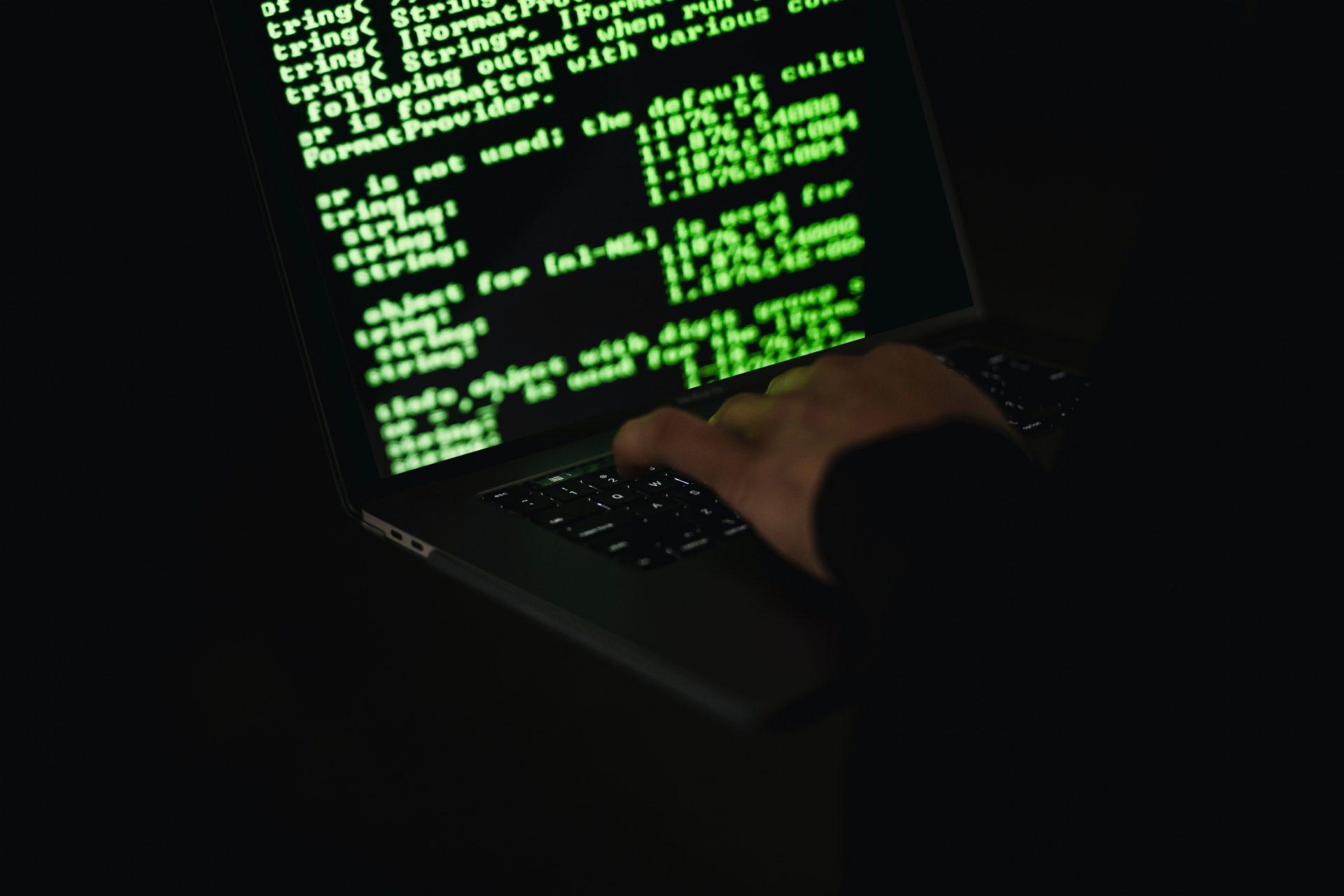 Riscul infracțiunilor cibernetice este mai mare cu 60% în cadrul învățământului on-line