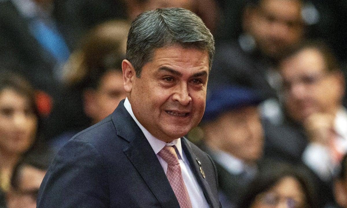 Zeci de jurnaliști ar fi fost mituiți de președintele Hondurasului, în schimbul unor articole favorabile