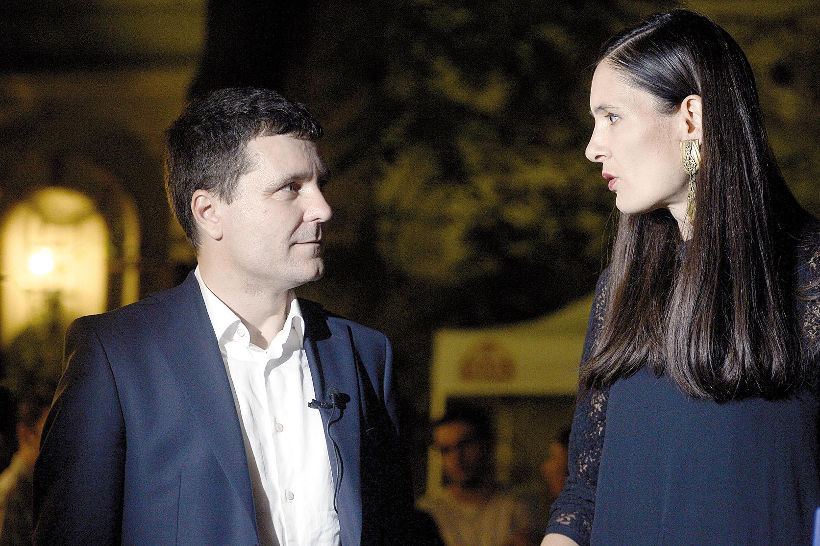 Încă un jurnalist lasă presa pentru un primar din București