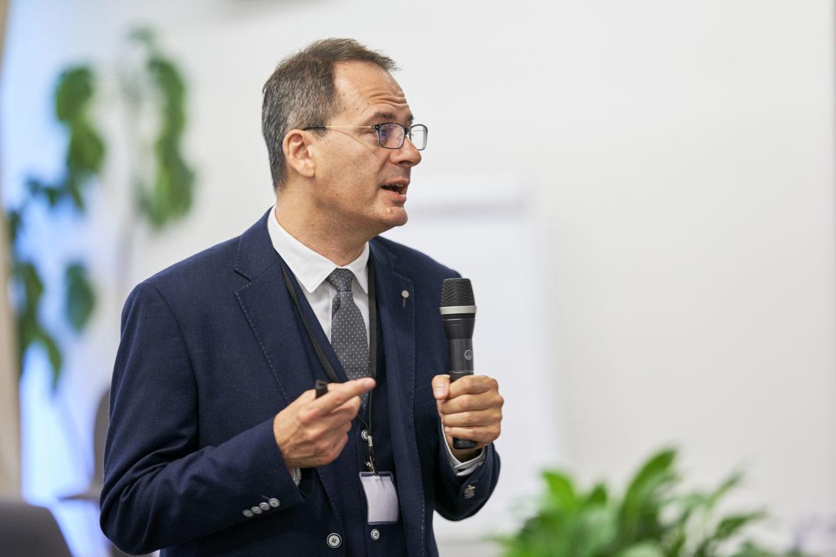 Jurnalistul care a dezvăluit numele celor implicaţi în otrăvirea lui Navalnîi, sub protecția poliției austriece