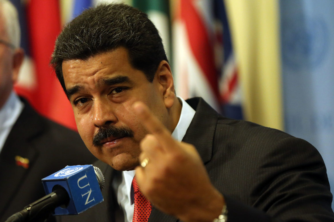 Venezuela acuză Facebook că impune o dictatură media prin blocarea contului președintelui Maduro