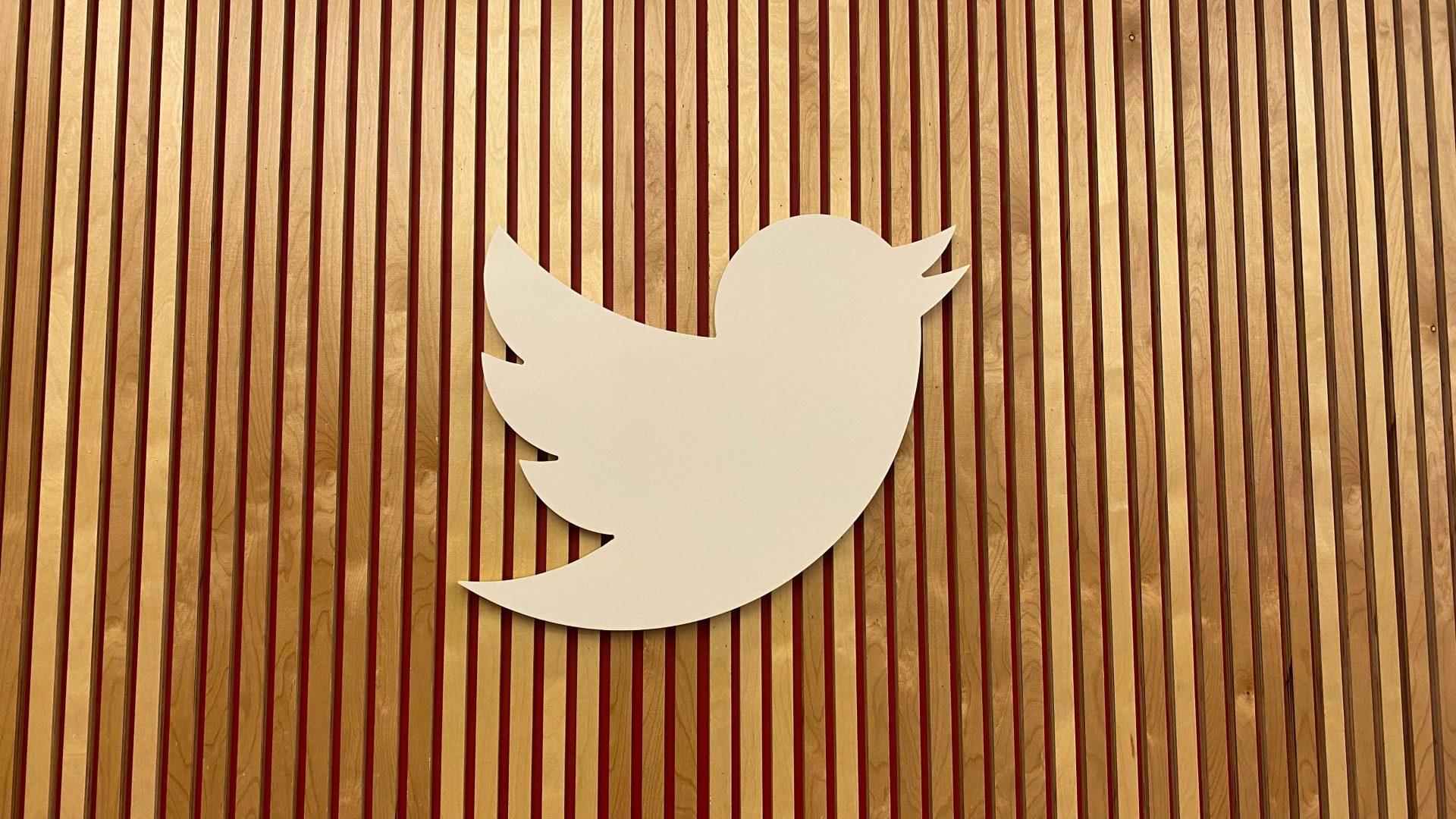Rusia va încetini viteza de funcționare a Twitter, după ce platforma nu a eliminat conținutul interzis de Kremlin