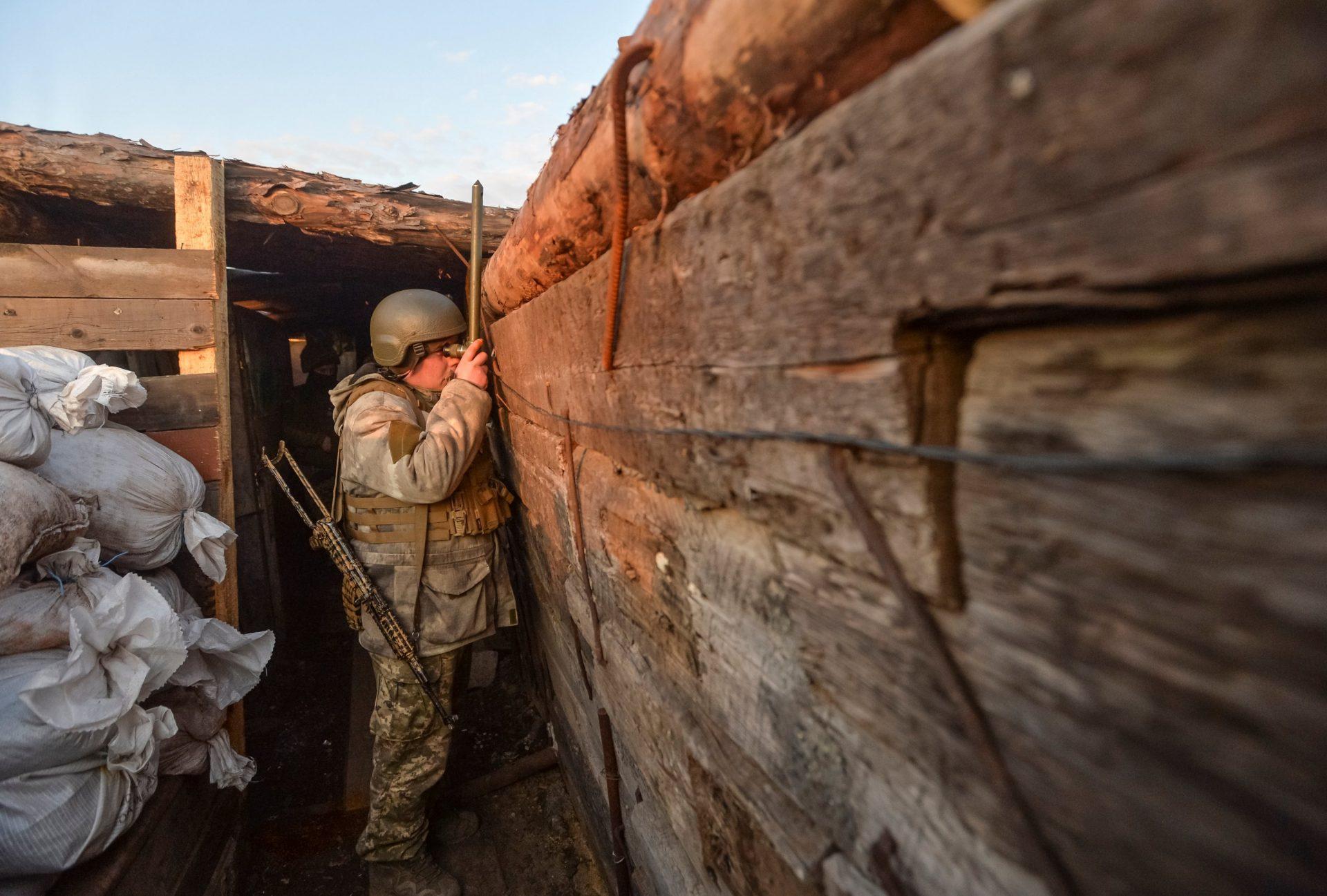 Rusia anunță că își va retrage trupele de la granița de est a Ucrainei