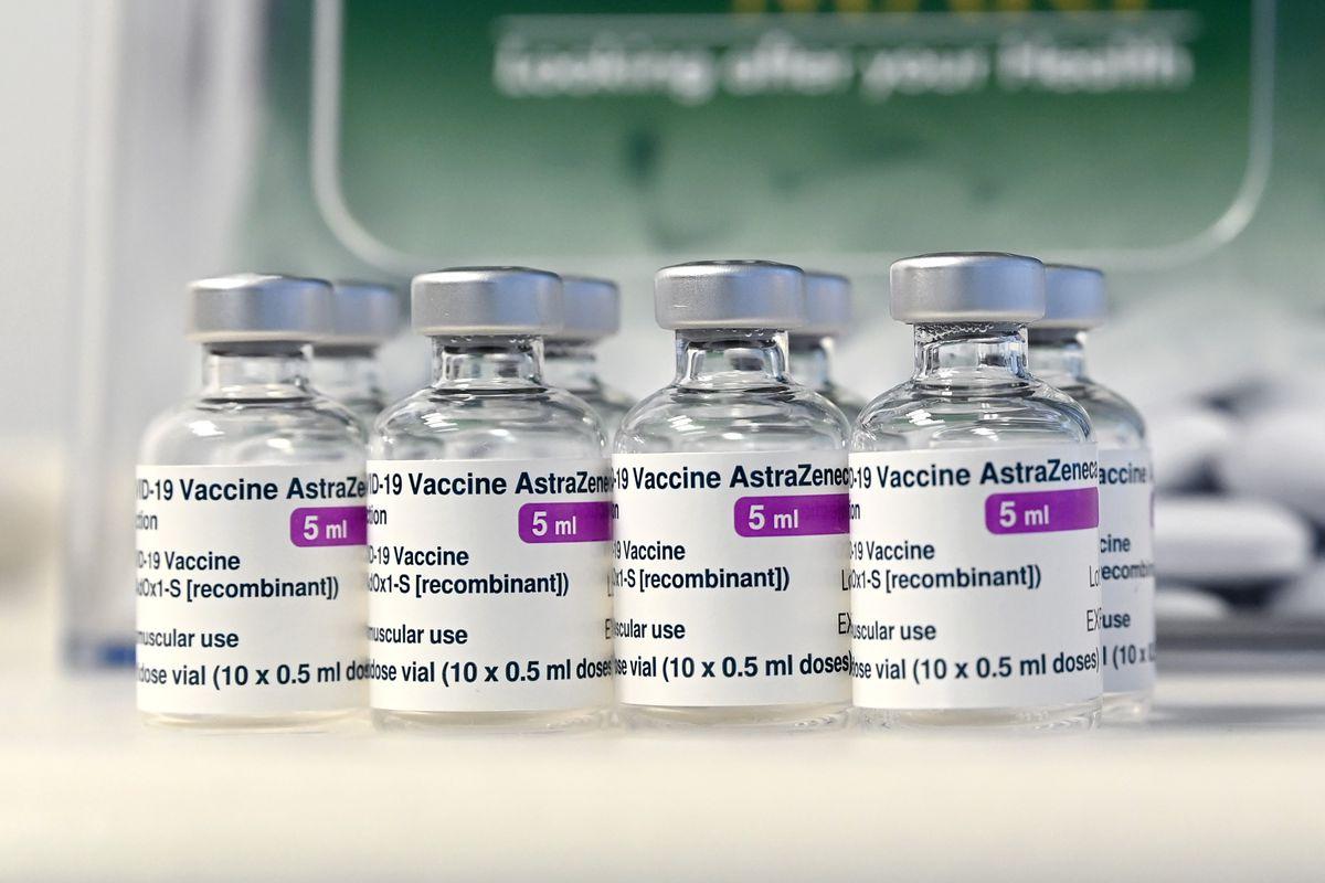Schimbarea numelui vaccinului anti-COVID produs de AstraZeneca, o încercare de rebranding