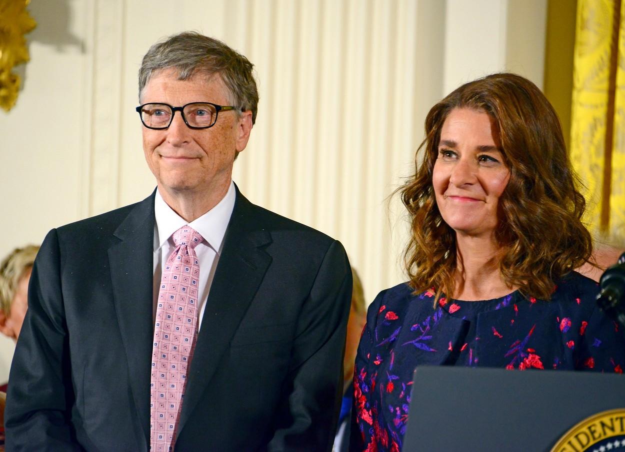 Cum văd adepții QAnon divorțul lui Bill Gates: despre mușamalizare și aventura Melindei cu dr. Fauci