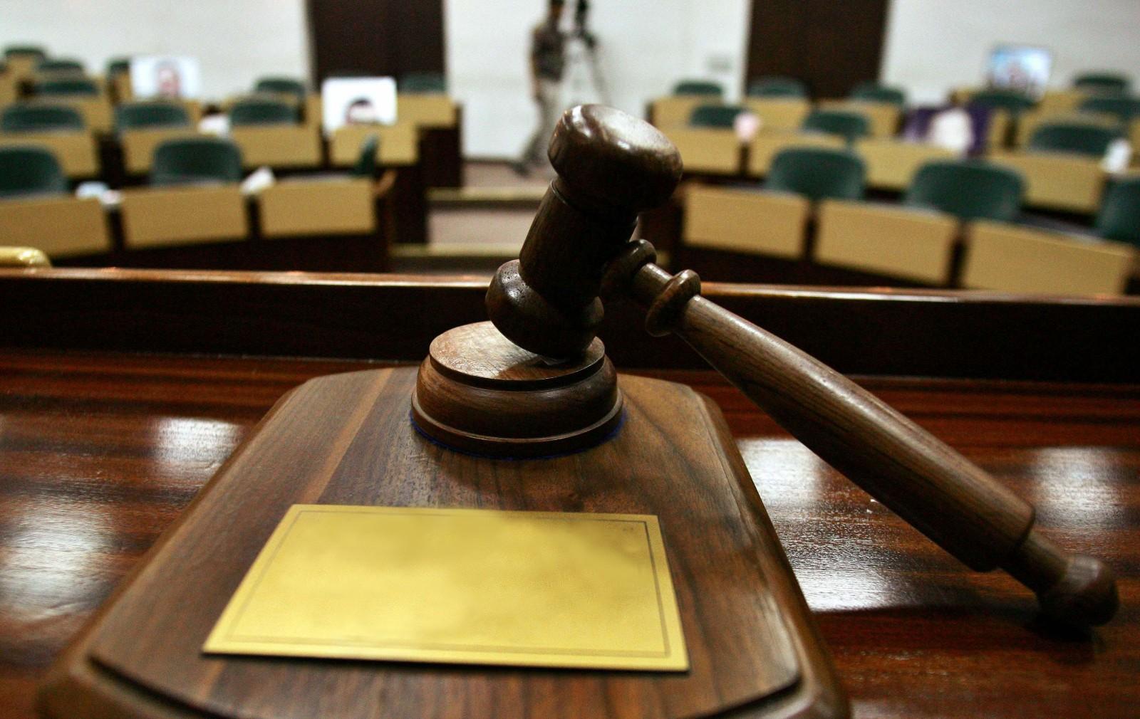 Foștii șefi ai Academiei de Poliție, inculpați în dosarul șantajării jurnalistei Emilia Șercan, nu mai pot preda