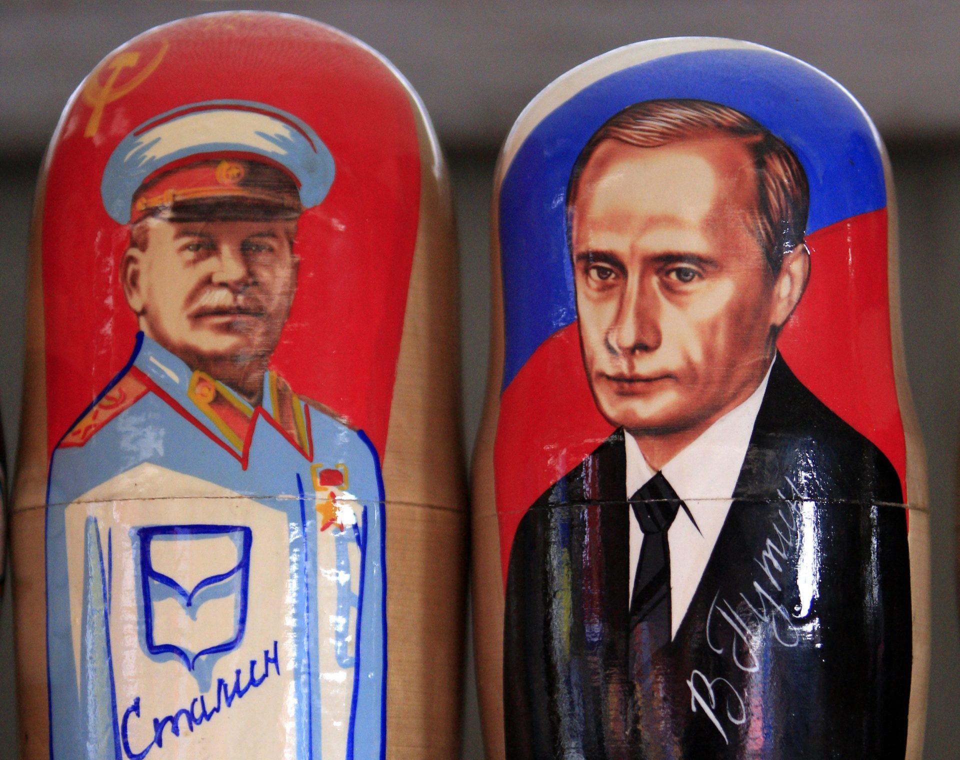 Stalin rămâne cea mai notabilă figură din istorie pentru ruși, în timp ce Putin pierde din popularitate