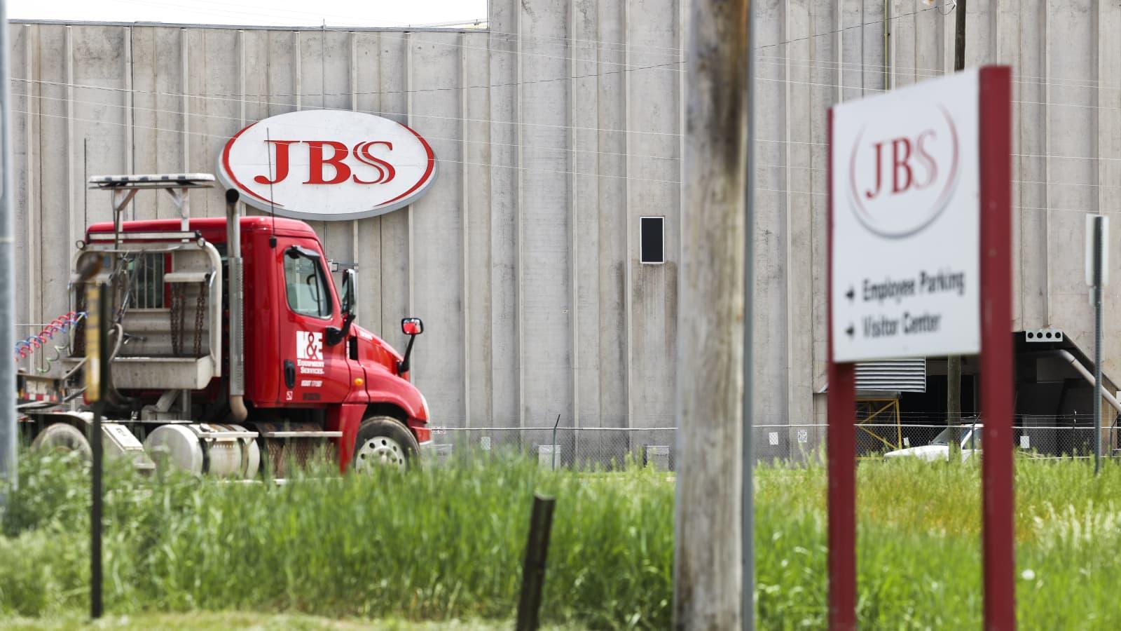 Compania JBS, atacată de hackeri săptămâna trecută, a plătit răscumpărare 11 milioane de dolari în Bitcoin
