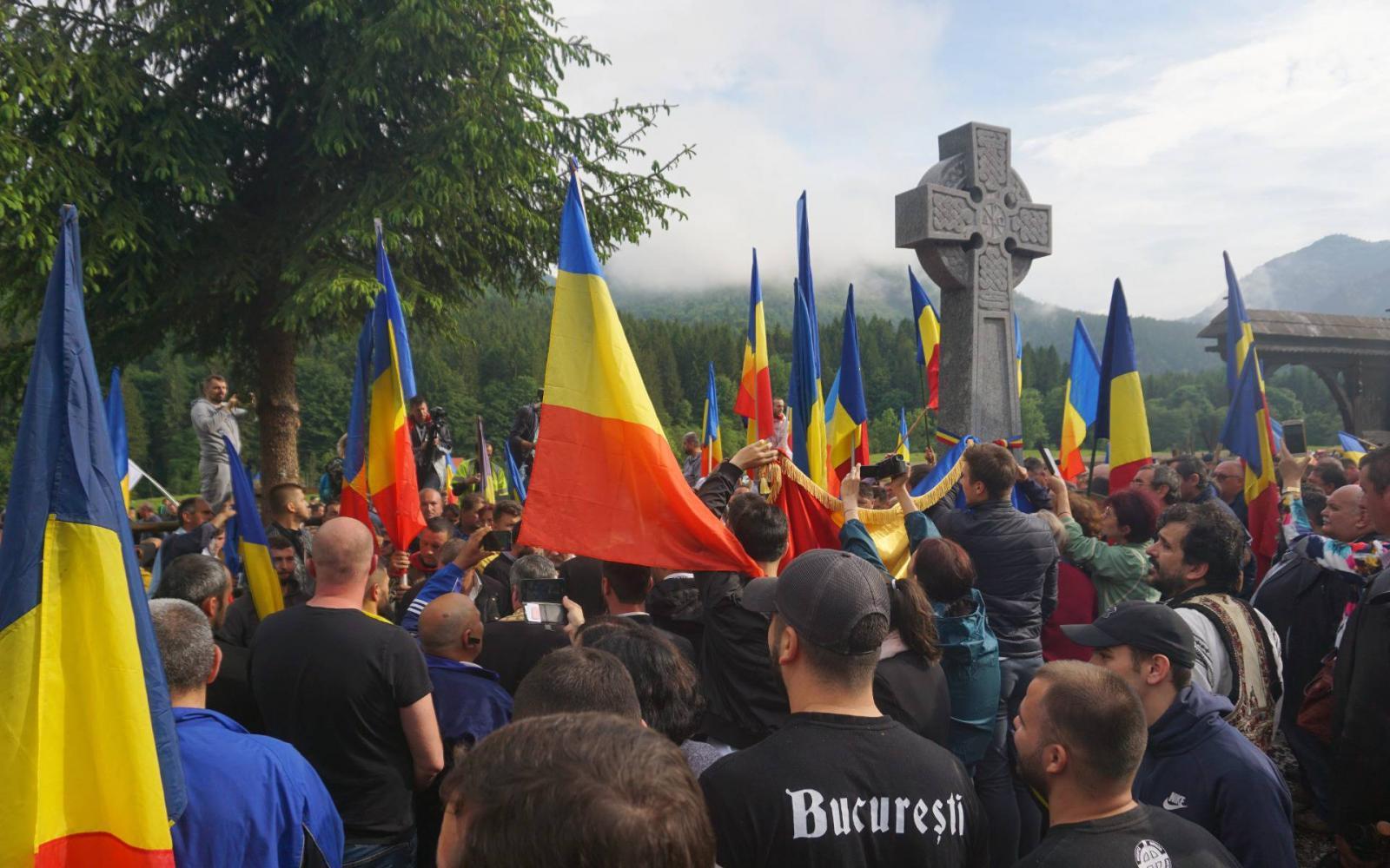 Ascensiunea curentului naționalist în era dezinformării și a fake news, la români