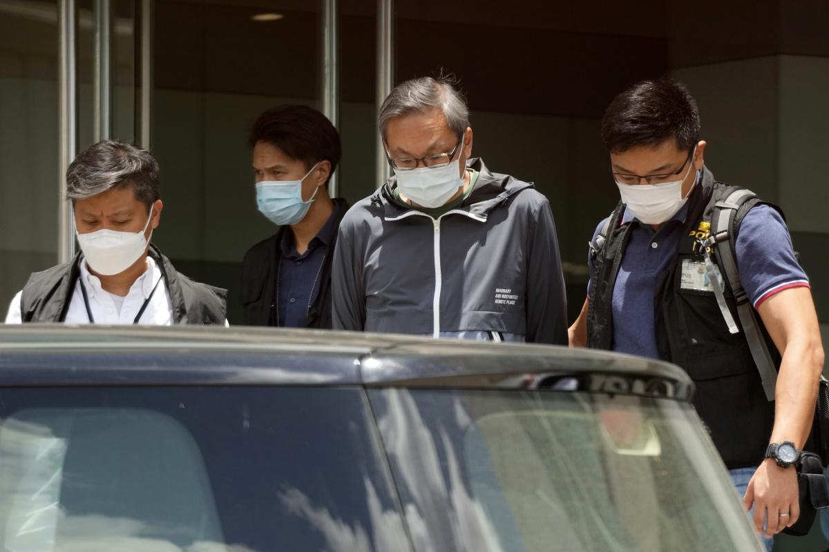 Un alt jurnalist Apple Daily, arestat de poliție pe aeroport. Fung Wai-kong încerca să plece din Hong Kong