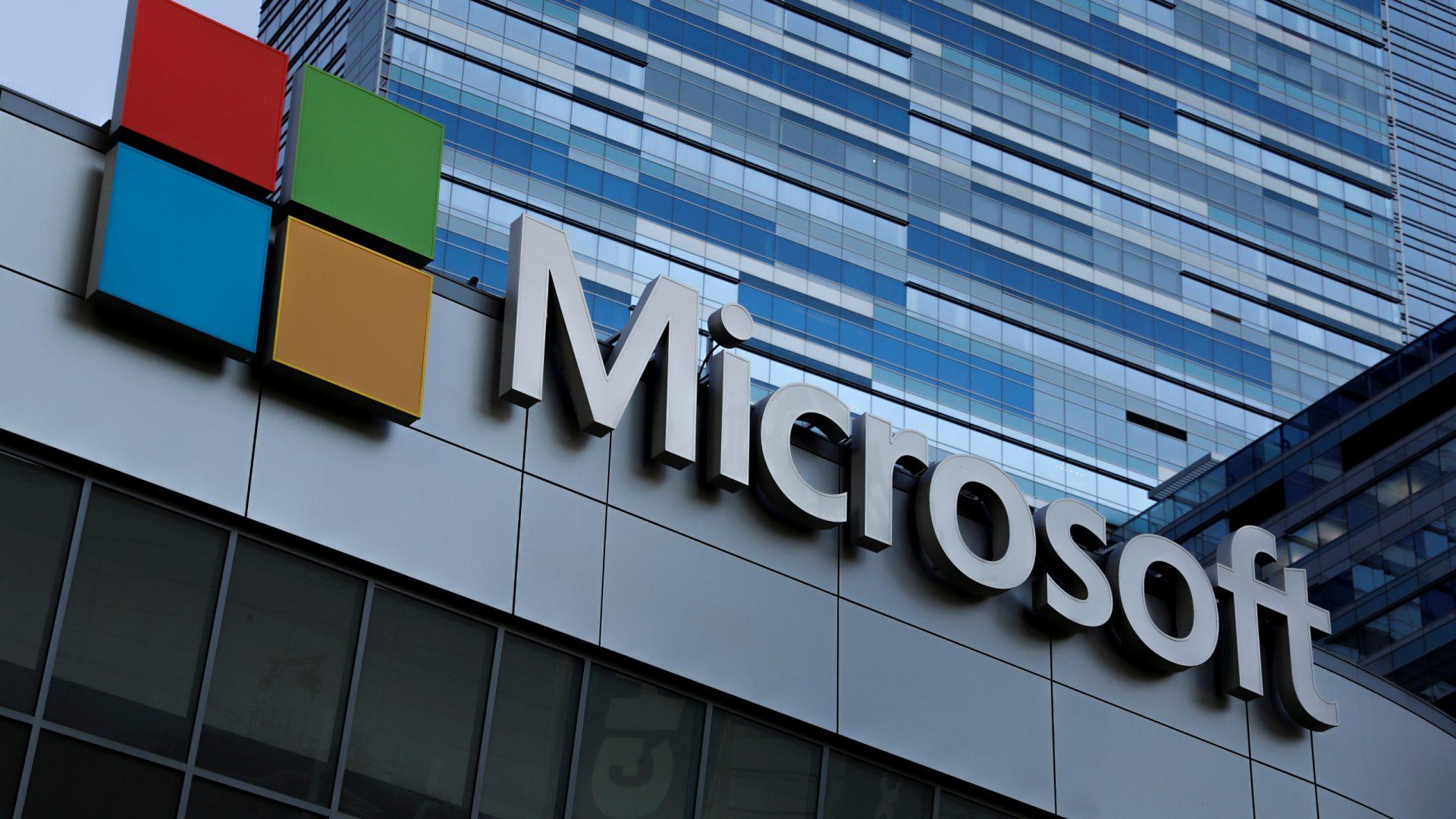 Instrumentele de asistență pentru clienți ale Microsoft, accesate de hackerii care au atacat SolarWinds