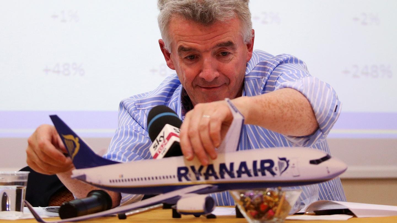 """Șeful Ryanair afirmă că avionul a fost """"adus la sol sub pretenții false folosind controlul de trafic aerian de la Minsk"""""""
