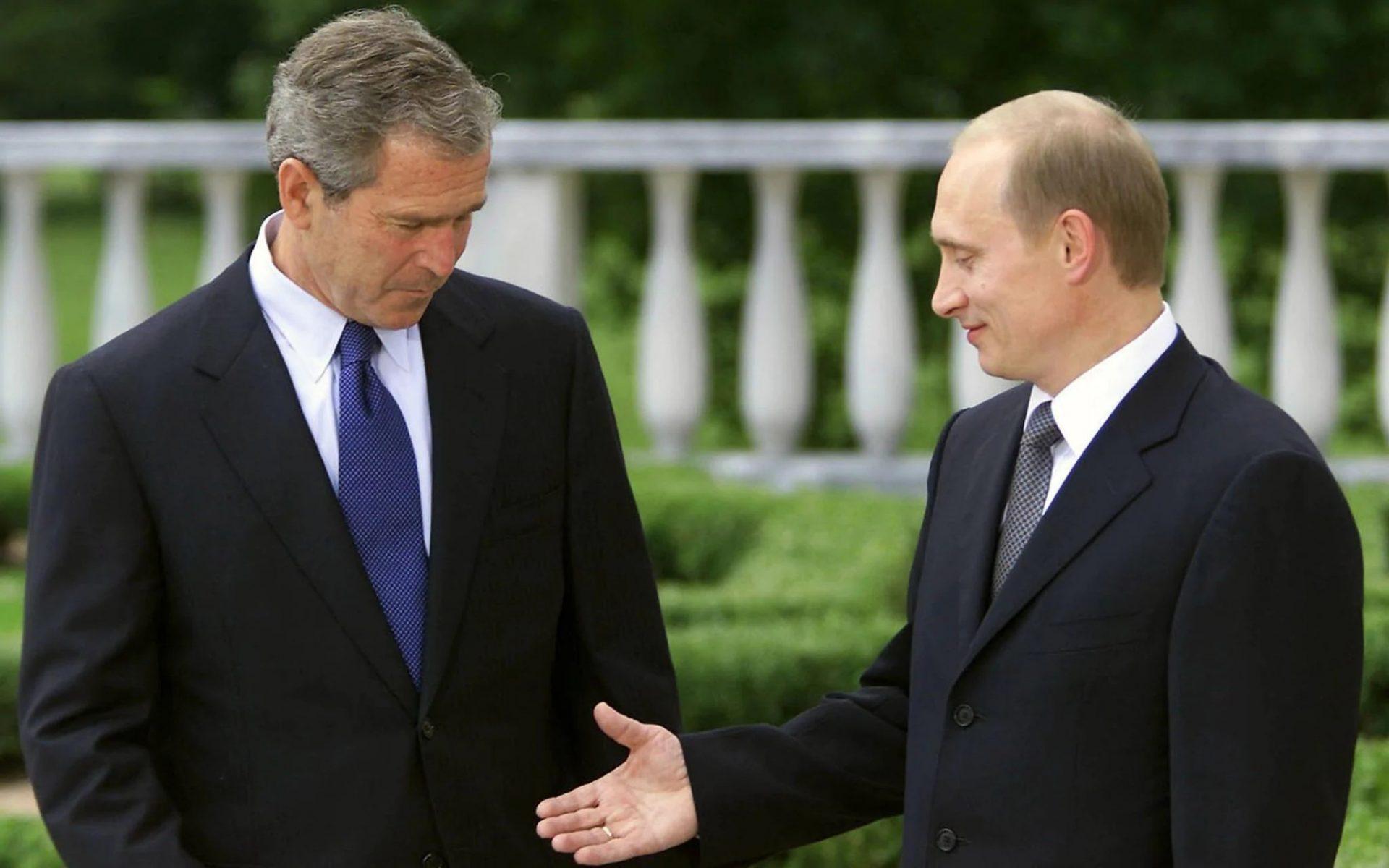 Președintele cu grătarul, impasibilul sau lingușitorul? Predecesorii lui Joe Biden au avut relații diferite cu Putin