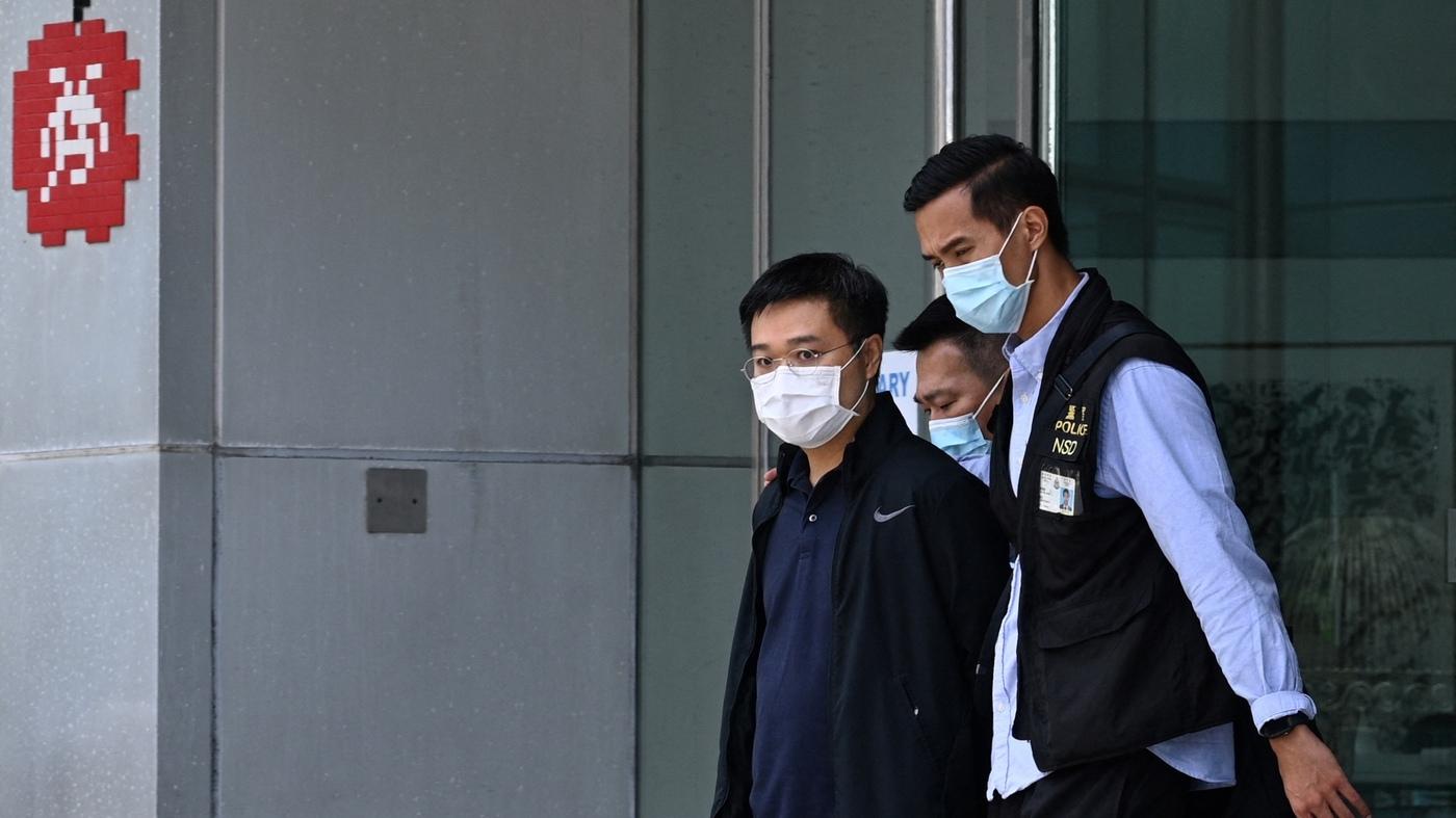 Poliția din Hong Kong a arestat cinci jurnaliști ai unei publicații de investigații