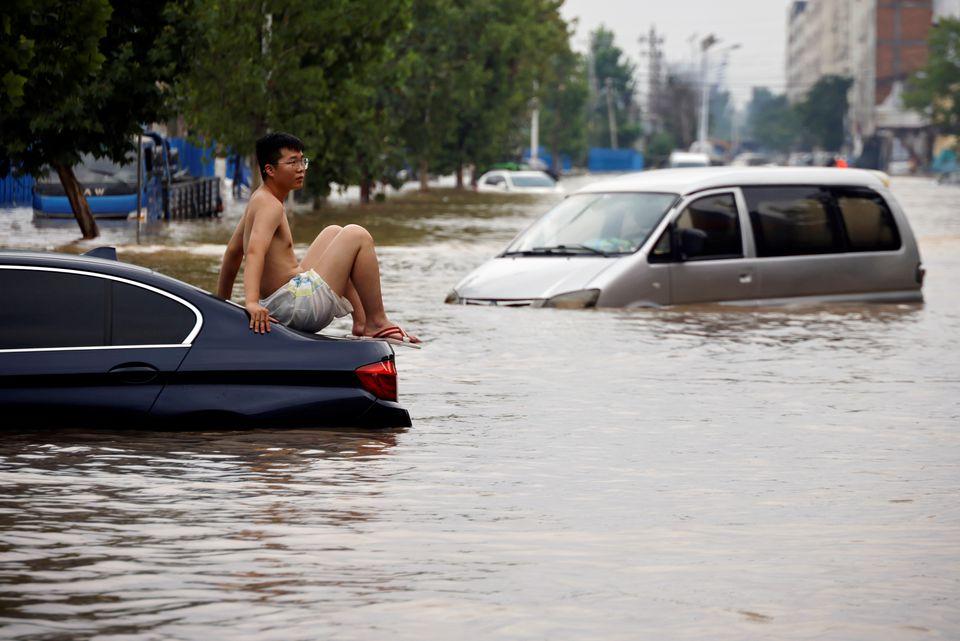 Jurnaliștii străini care prezintă consecințele inundațiilor din China s-au confruntat cu ostilități din partea localnicilor