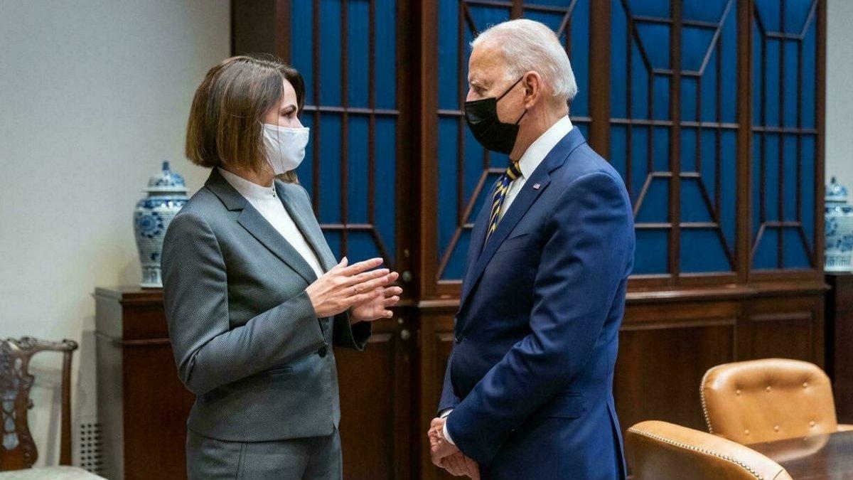 Joe Biden și liderul opoziției din Belarus, Svetlana Tihanovskaia, s-au întâlnit la Casa Albă