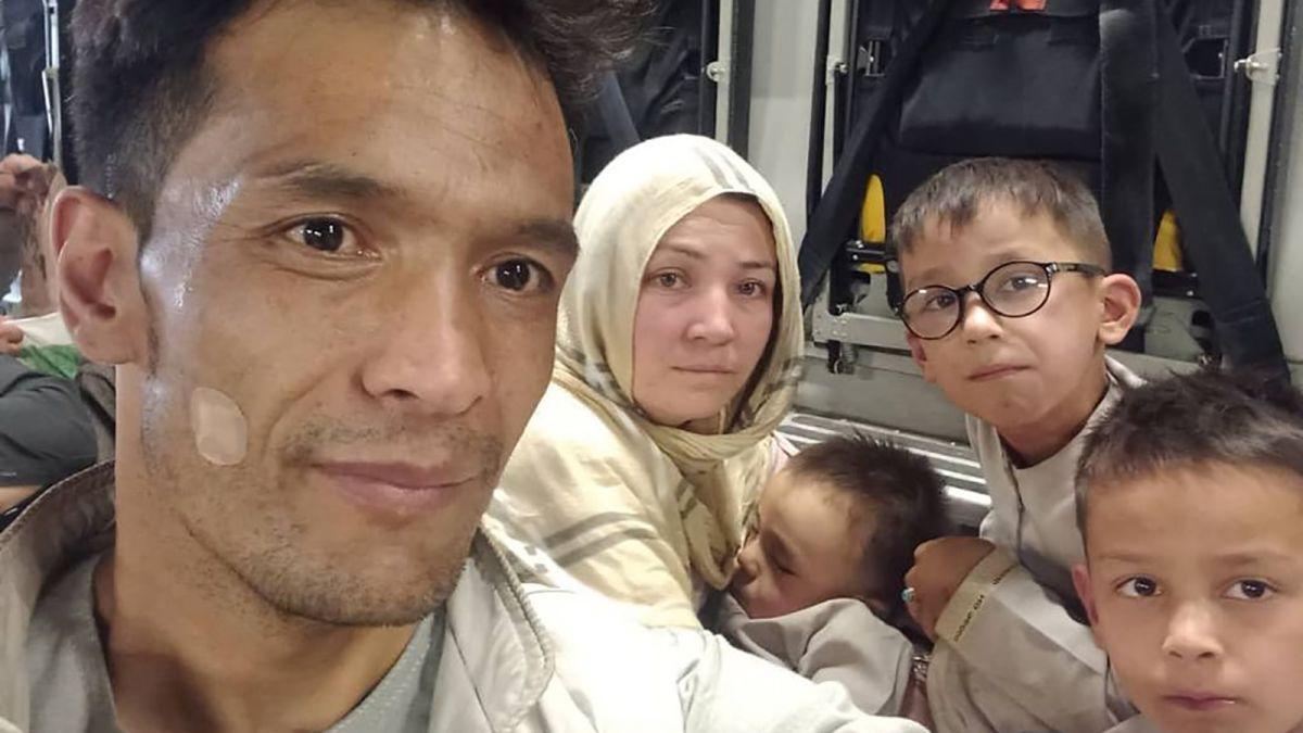 Jurnaliștii CNN au ajutat familia unui translator să fugă din Afganistan