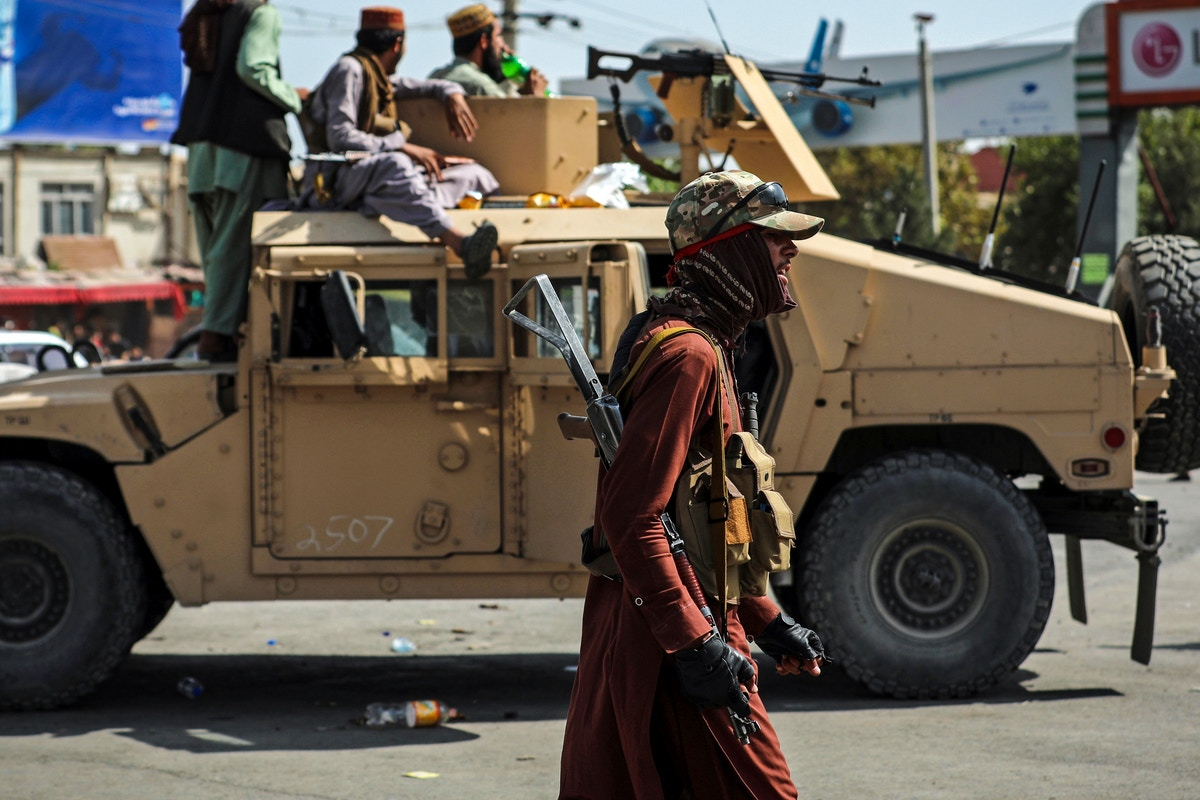 """Un jurnalist afgan, agresat de talibani în Kabul: """"Încă nu știu de ce s-au comportat așa"""""""