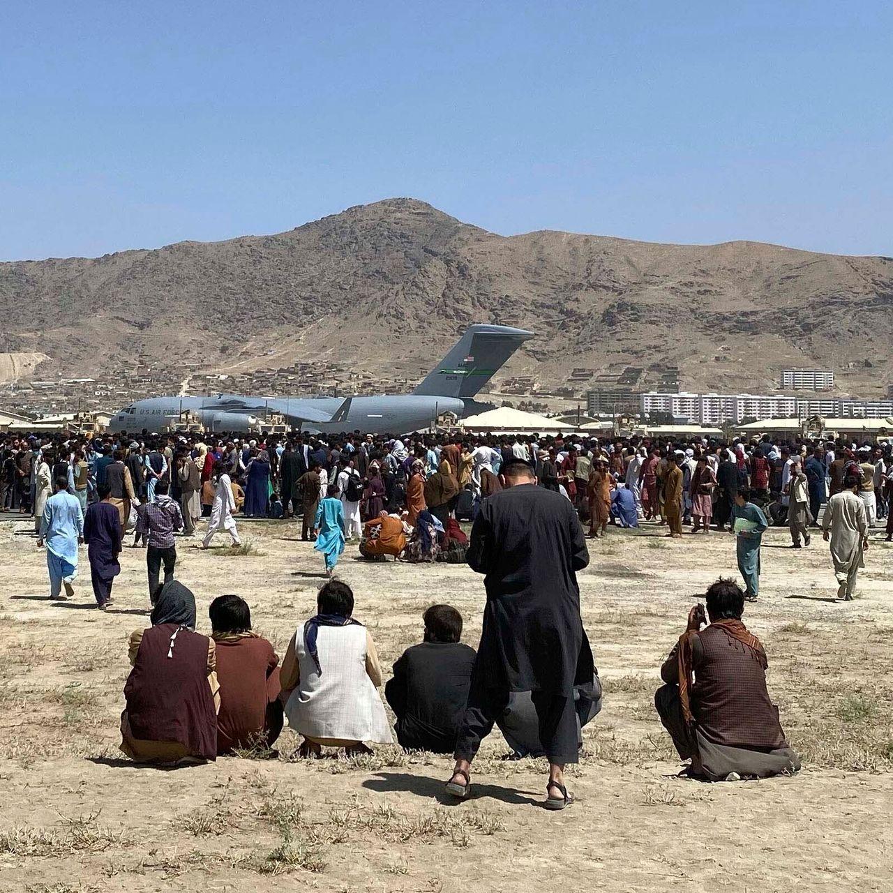 Publicațiile occidentale încearcă să evacueze personalul local din Afganistan