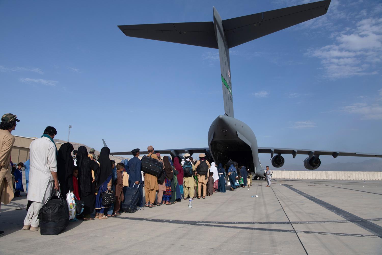 NATO a evacuat 100.100 de persoane din Afganistan, printre care și colaboratori. România nu se află pe listă