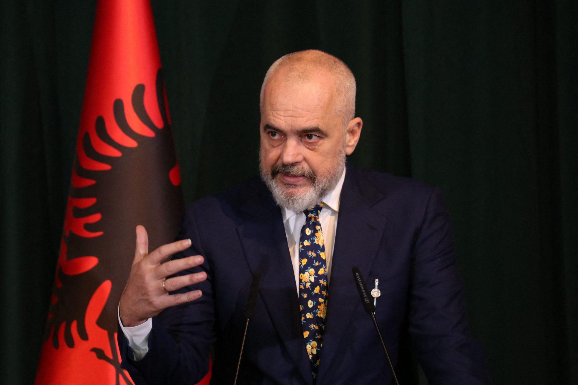 Premierul Albaniei compară presa online cu propaganda nazistă și propune restricții pentru publicații