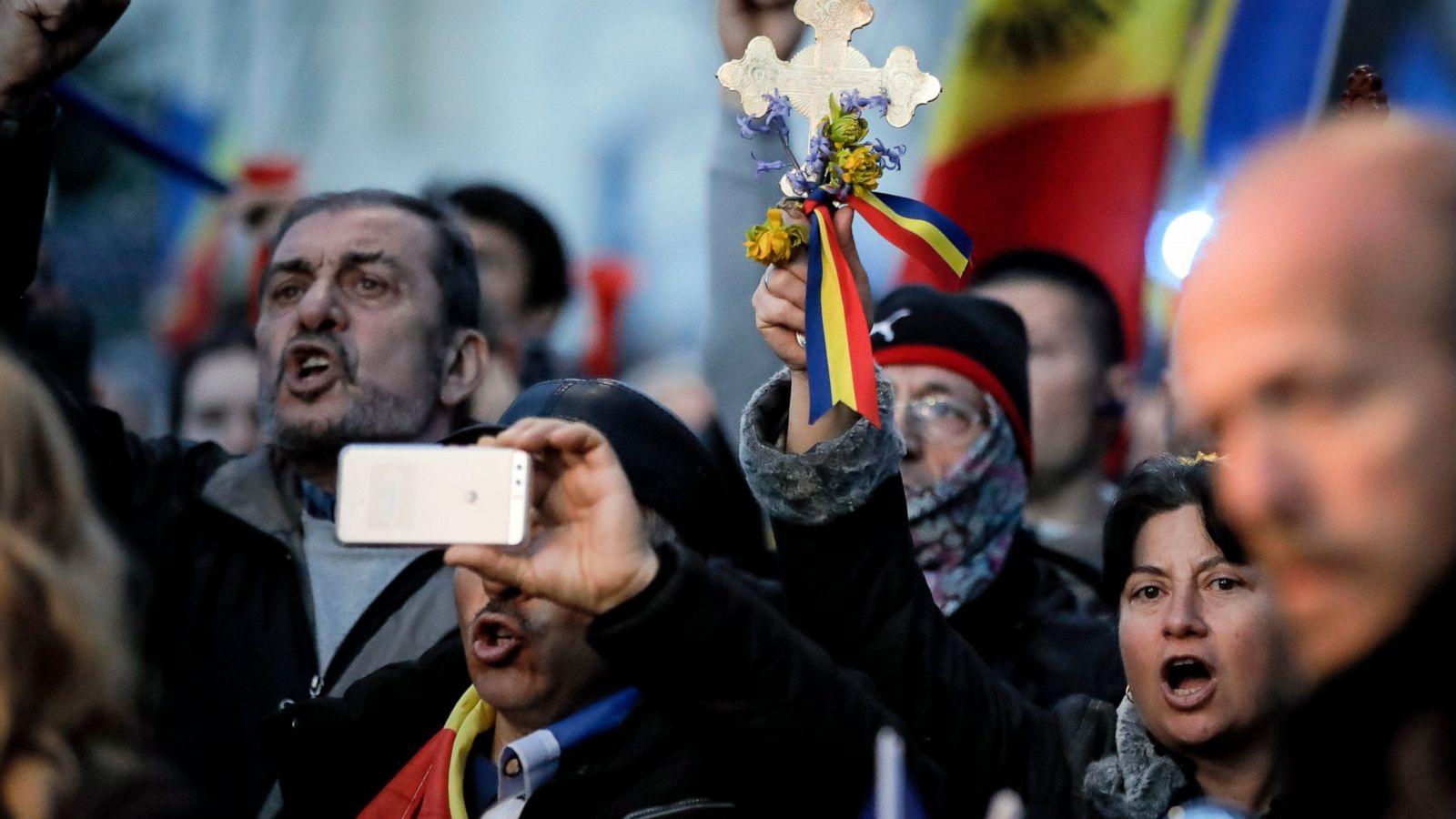 Peste două treimi dintre români ar vota un partid naționalist. Valorile tradiționale, peste cele moderne