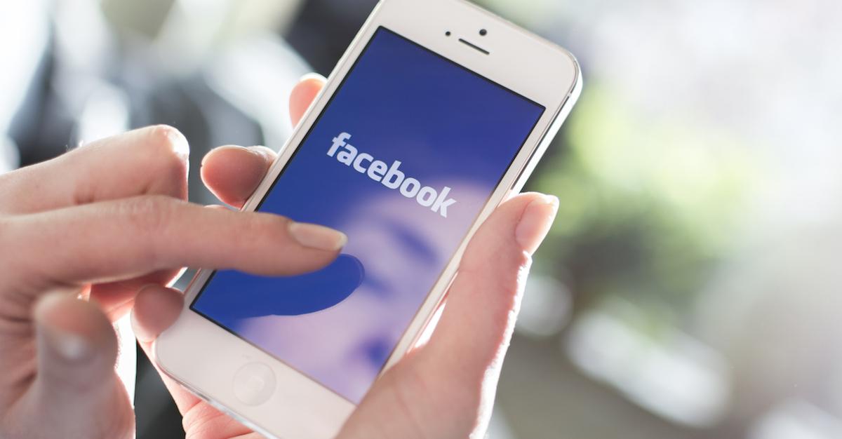 """Clickbaiturile, """"cerșeala"""" pentru like-uri și informațiile senzaționaliste despre sănătate vor fi retrogradate de Facebook"""
